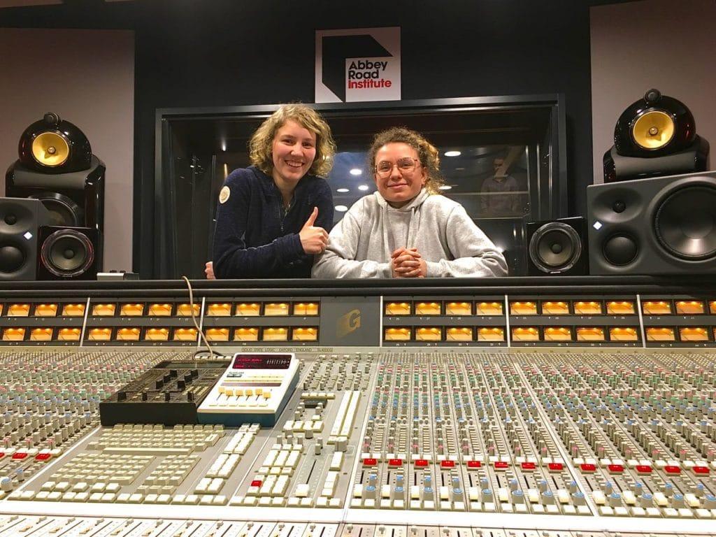 Karriere, Frauen, Musikproduzentin, Tontechnikerin, Abbey Road Institute Frankfurt, Musikbranche