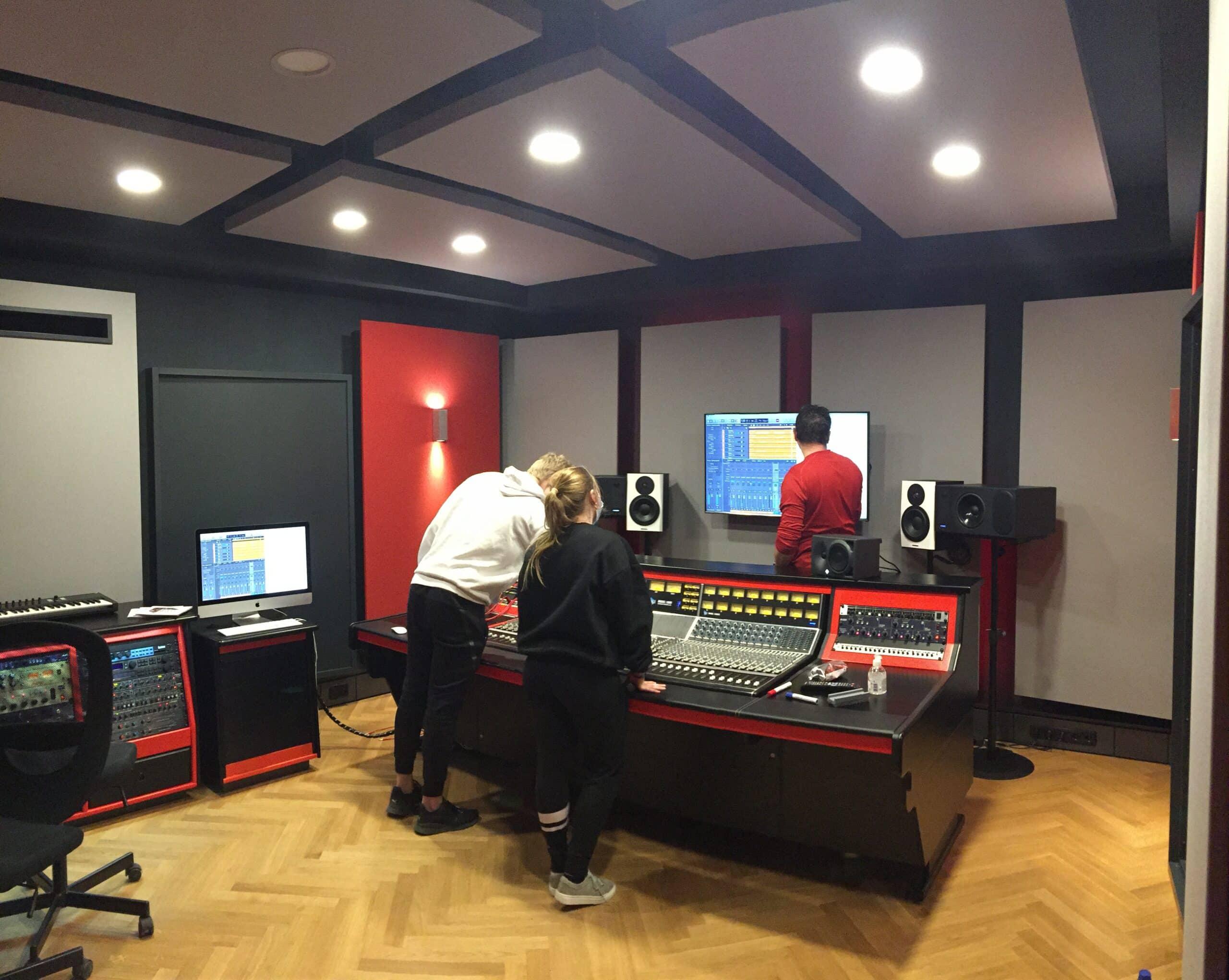 Sophie, Chris und Headcoach Jens Kleinhuis in Studio 2