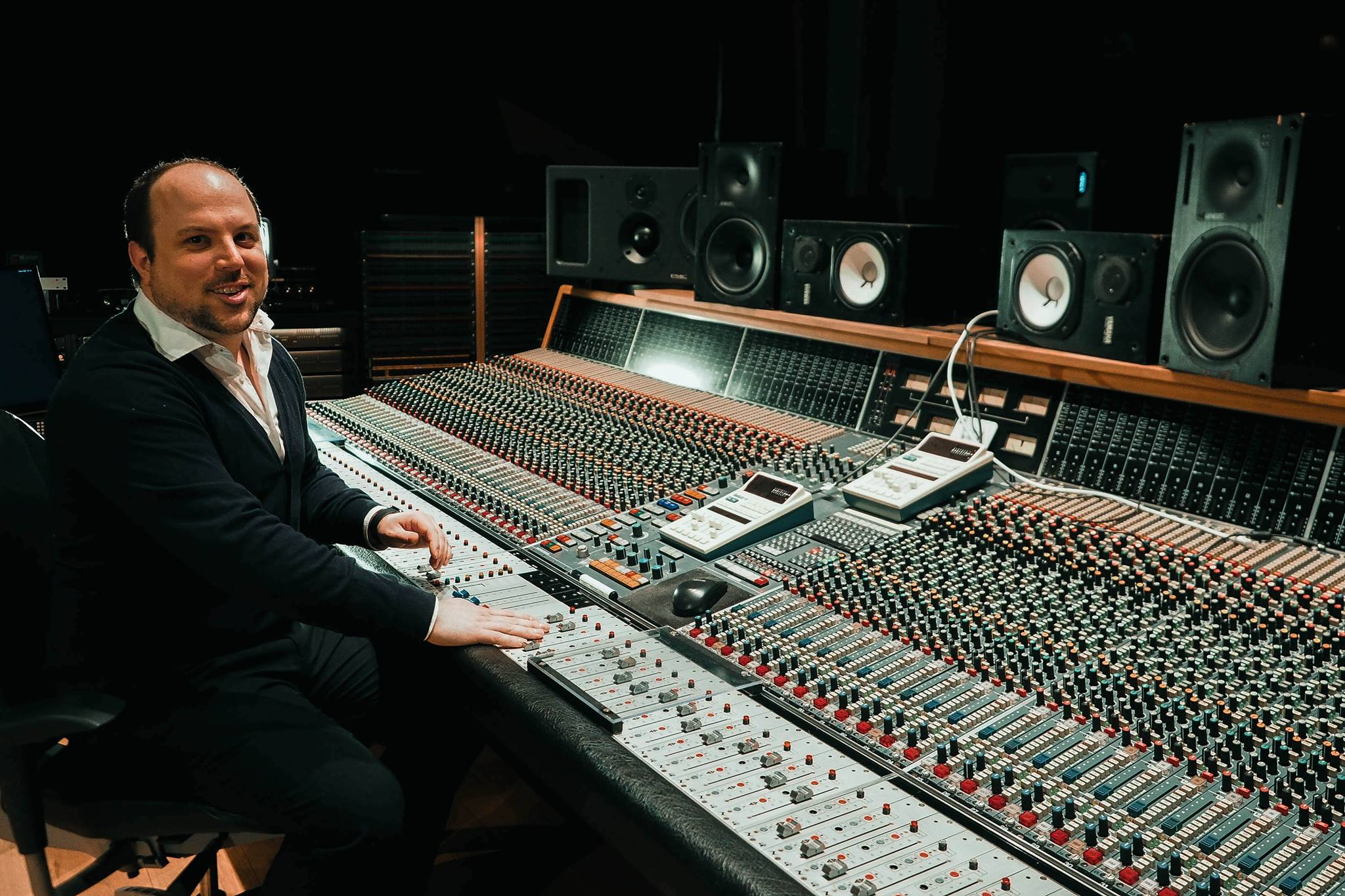 Robin Reumers mixing Neve VR